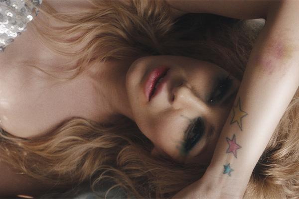 Nainen ja tähti tatuointeja